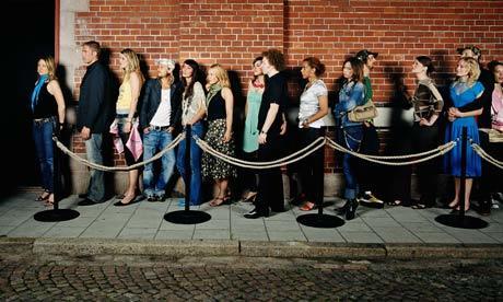 fila de personas