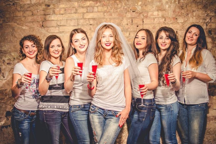 Viaje gratis chicas adolescentes solteras